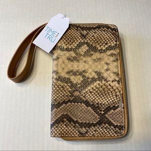 NWT Snakeskin Print Double Zip Wristlet Wallet